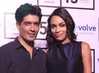 Manish-Malhotra-with-Rosario-Dawson-at-Lakme-Fashion-Week-Summer-Resort-2015