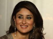 98aydhtotukbdcs6.D.0.Kareena-Kapoor-Khan-at-the-event-announcing-her-as-new-pleasure-ambassador-of-Magnum-Ice-Cream-in-Mumbai--7-