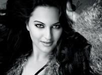 Sonakshi-Sinha-black-in-white-hd-wallpapers