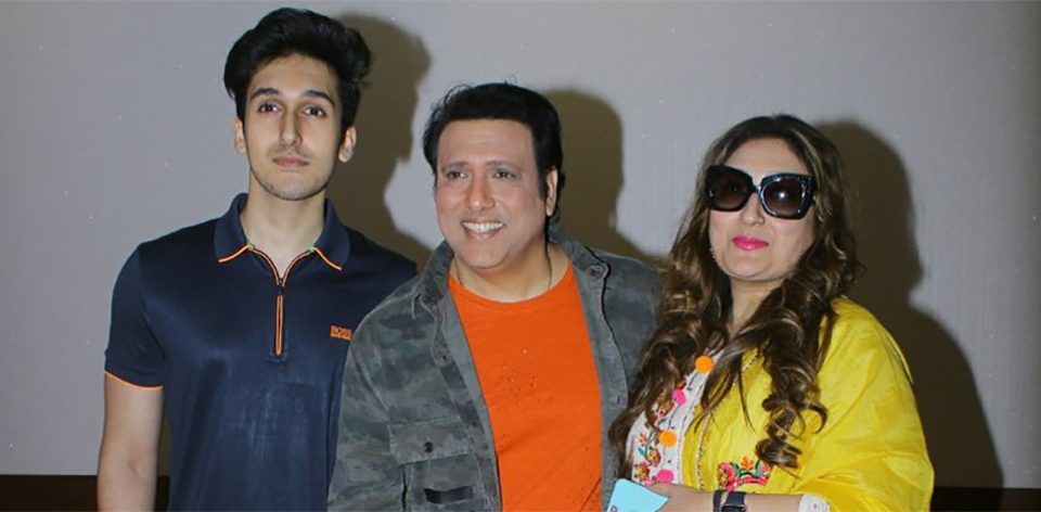 Govinda's family watches 'Aa Gaya Hero' | AVSTV - bollywood and ...